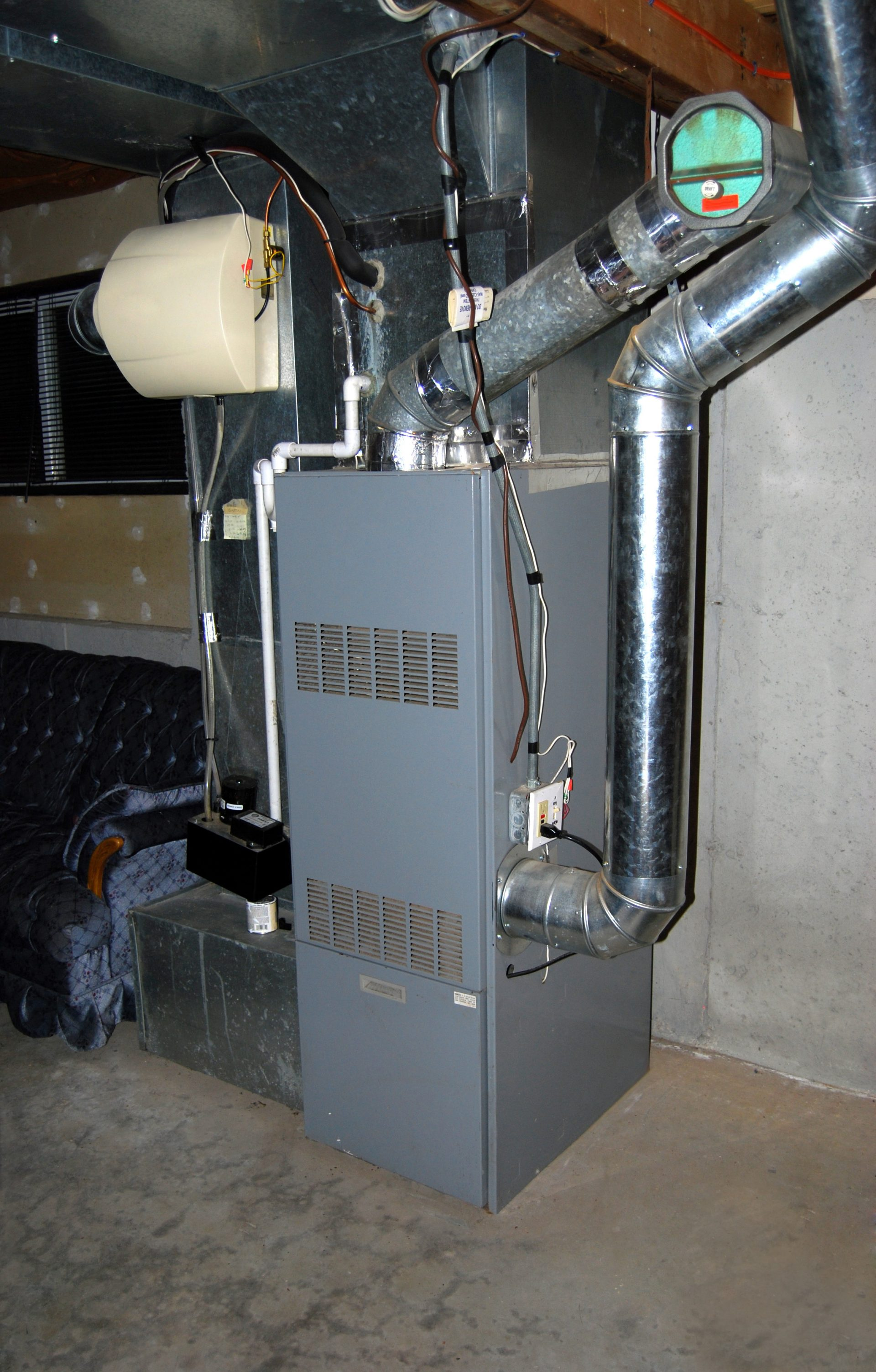 Residential fuel oil furnace